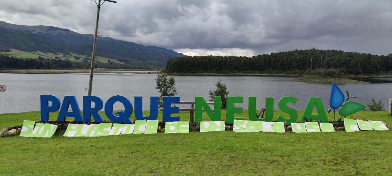 Desde el miércoles la CAR prohíbe plásticos de un solo uso en los parques - Noticias de Colombia